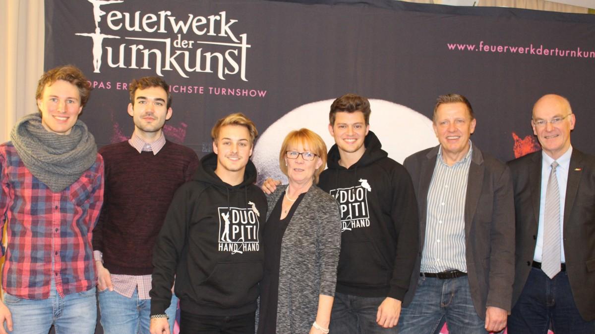 V.l.: Jonas Fritsch, Rick Jurthe (FOXOS), Pierre Büchner (Duo Piti), Heidi Aguilar (Regisseurin), Timo Gödeke (Duo Piti), Wolfram Wehr-Reinhold (Produktionsleiter Und Geschäftsführer), Heiner Bartling (NTB-Präsident)