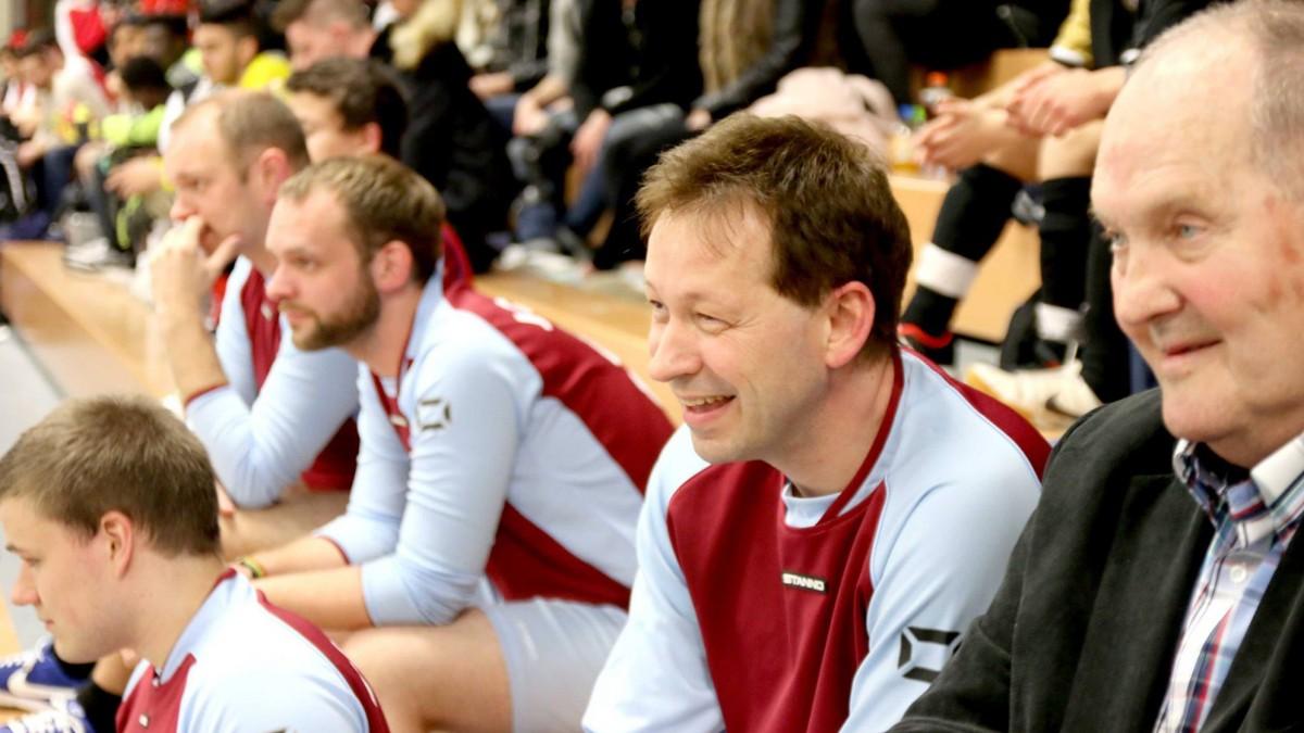 Stadtdirektor Burkhard Hintzsche (2.v.r.) Ist Stammgast Beim FAIRständnis Cup (Foto: Stadtsportbund)