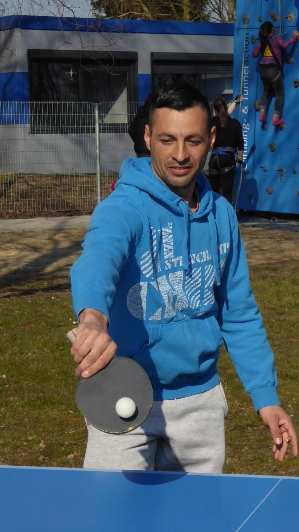 Auch erwachsene Flüchtlinge sind sportlich.