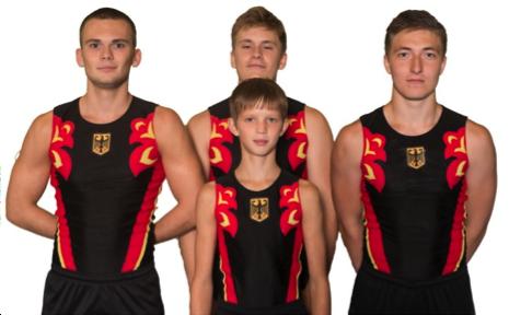 V.l.n.r.: Alexander Jakovlev (19), Kirill Mill (18), Johannes Belovencev (19),   Vorne Mittig: Andreas Felker (14)