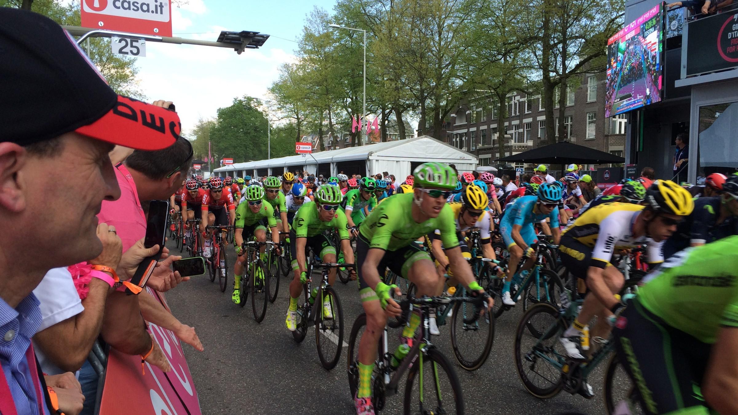 OB Geisel Am Rande Des Zieleinlaufs Des Giro D'Italia In Nijmegen (Foto: Landeshauptstadt Düsseldorf)
