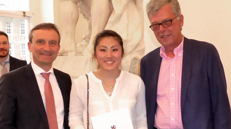 Yuki Fujita Mit OB Thomas Geisel Und Peter Schwabe