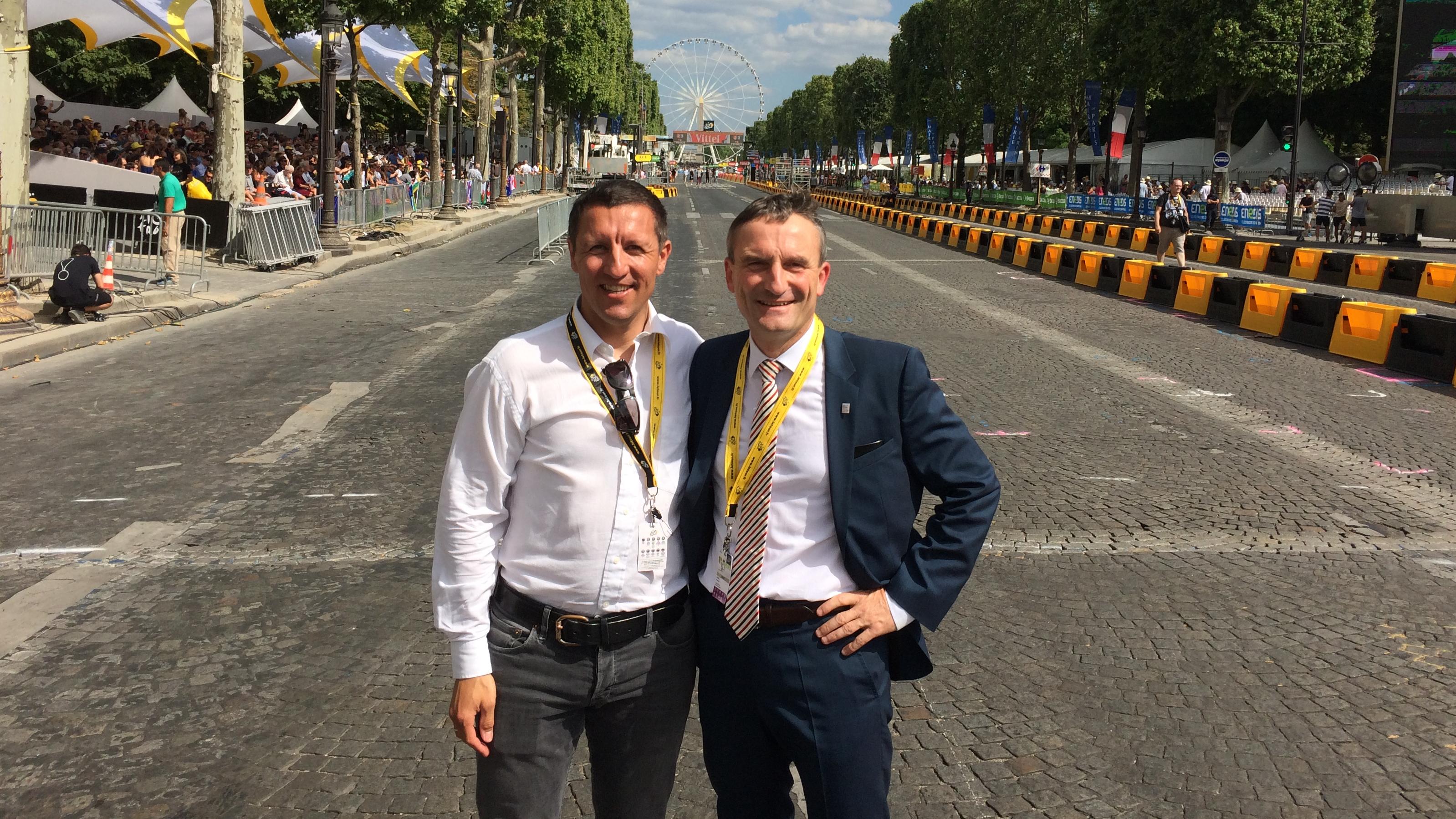 Sven Teutenberg Und OB Geisel Bei Der Tour De France In Paris (Foto: Landeshauptstadt Düsseldorf)