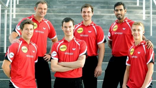 V.l.n.r.: Kristian Karlsson, Trainer Danny Heister, Stefan Fegerl, Timo Boll, Kamal Achanta Und Anton Källberg (Foto: Sportstadt)