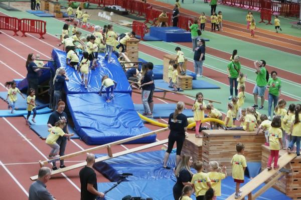 1.000 Kinder erprobten ihre sportlichen Fähigkeiten an den drei Tagen des Kita-Bewegungscamps.,(Foto: Stadt Düsseldorf/David Young)