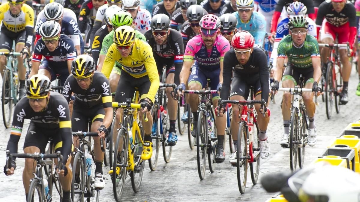 Begeisterung Bei Der Tour De France 2015 - So Soll Es Auch Beim Grand Départ Düsseldorf 2017 Sein (Foto: Landeshauptstadt Düsseldorf/Frank Bodenmüller)