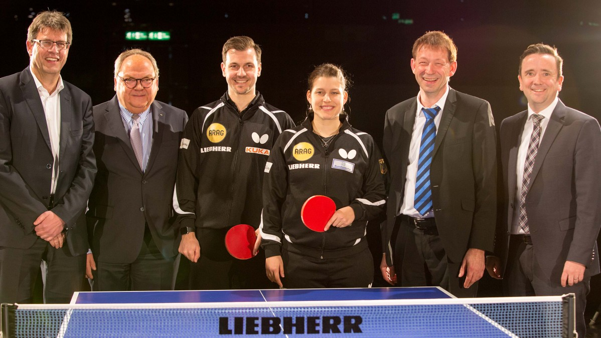 V.l.n.r.: Thomas Weikert, Dornscheidt, Timo Boll, Petrissa Solja, Burkhardt Hintzsche, Martin Ammermann (Foto: Bernd Schaller)