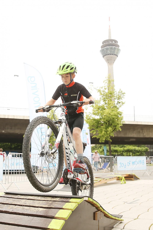 Rheinpromenade und Unteres Rheinwerft standen bei der Fête du vélo ganz im Zeichen des Radsportes. (Foto: Landeshauptstadt Düsseldorf, David Young)