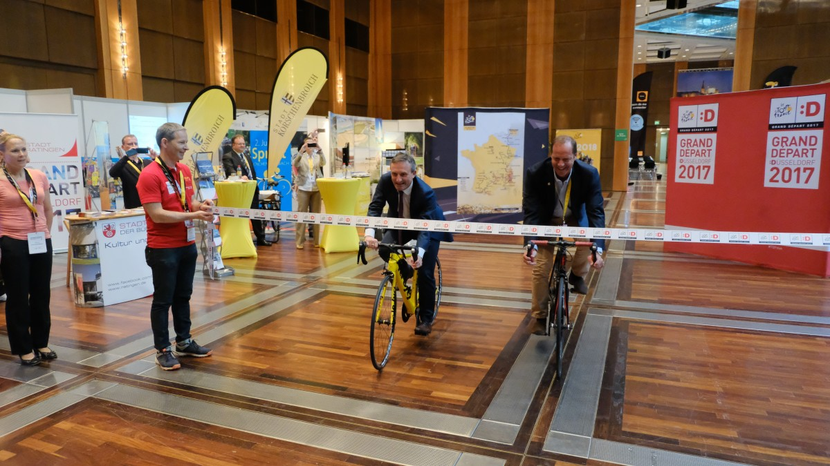 Pressezentrum Und Volunteer Center Der Tour De France In Düsseldorf