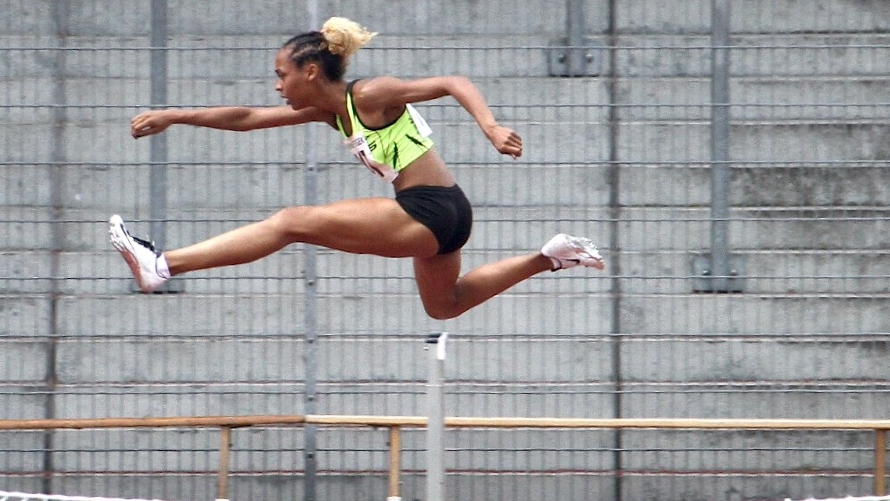 Djamila Böhm Steigert Sich Auf 56,95 Sekunden über 400 M Hürden In Rehlingen (Foto: ART Düsseldorf)