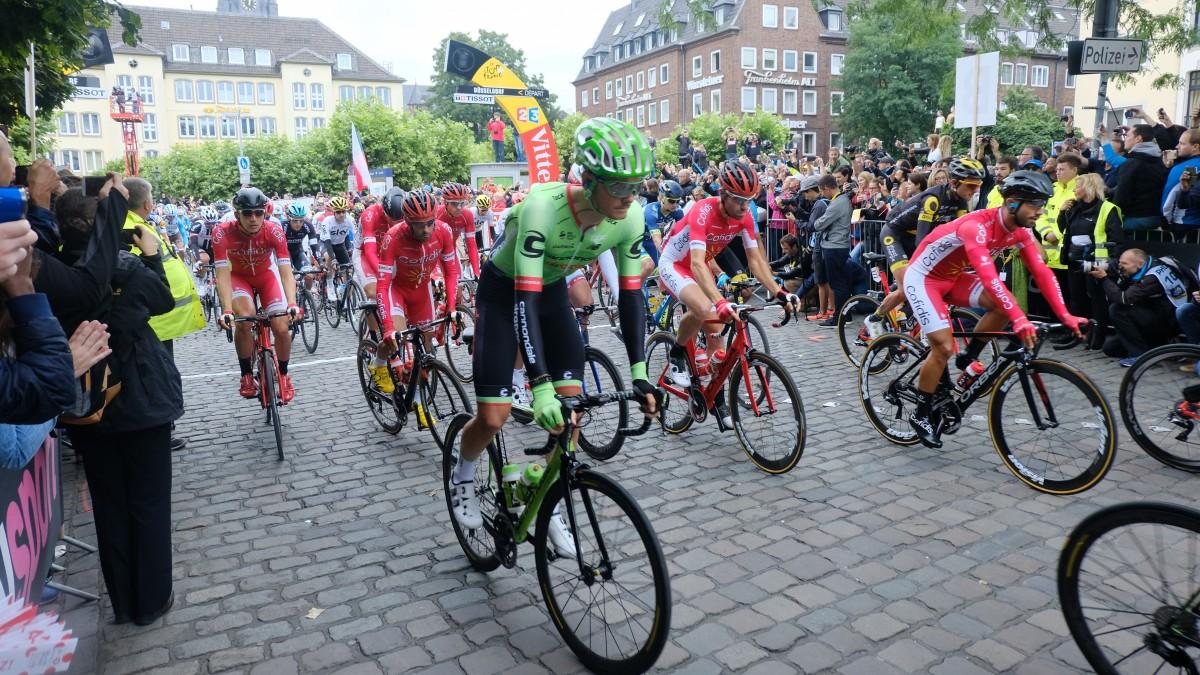 Düsseldorf: Die 2. Etappe Der Tour De France Läuft; Düsseldorf: The 2nd Stage Of The Tour De France Is Underway; Düsseldorf : La 2ème étape Du Tour De France Est En Cours (Foto: Landeshauptstadt Düsseldorf/Michael Gstettenbauer)