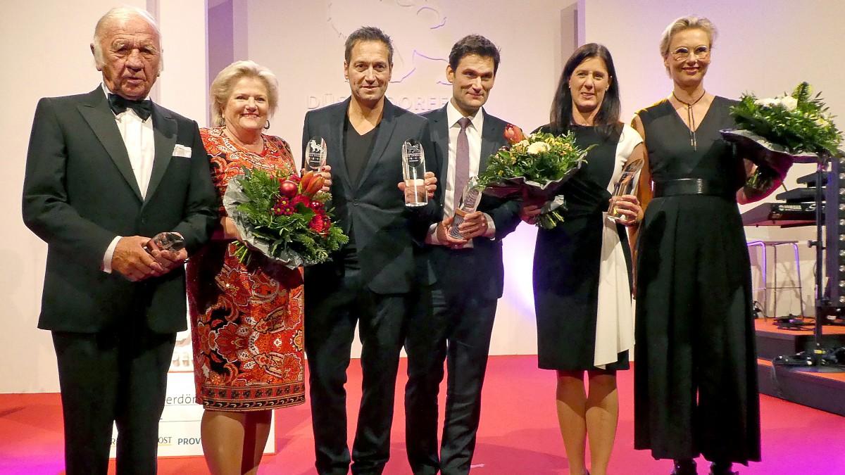 V.l.n.r.: Heinz Mack, Prof. Dr. Brgitte Grass, Dieter Nuhr, Christian Ehring, Melanie Lack, Kathrin Schmack (Foto: RCGD/Manfred Blasczyk)