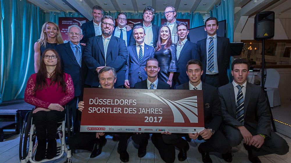 Die Nominierten Sportler, Die Trotz Des Sturms Den Weg Zur Sportlerehrung Gefunden Haben (Foto: Johannes Boventer)