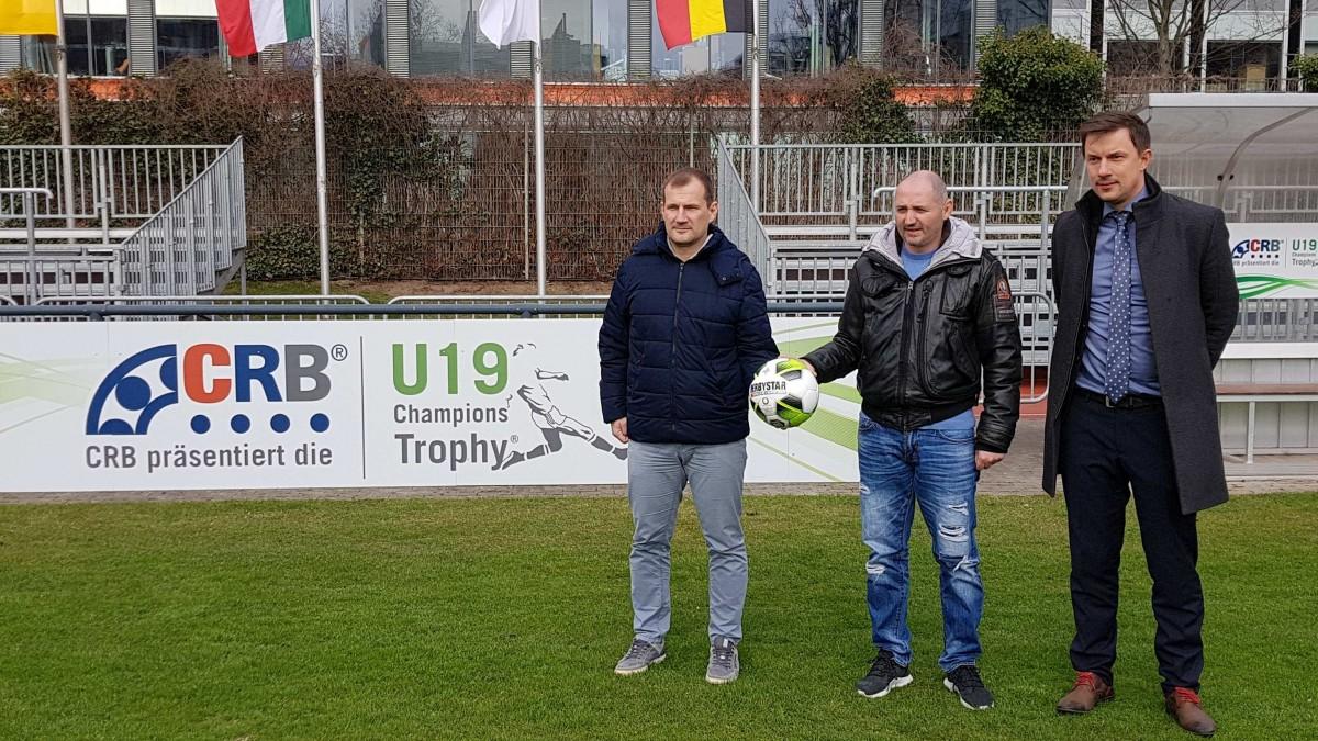 Fortuna-Trainer Sinisa Suker,Borussia Co-Trainer Oliver Neuville Und Marcus Giesenfeld, Turnierleiter Sport.