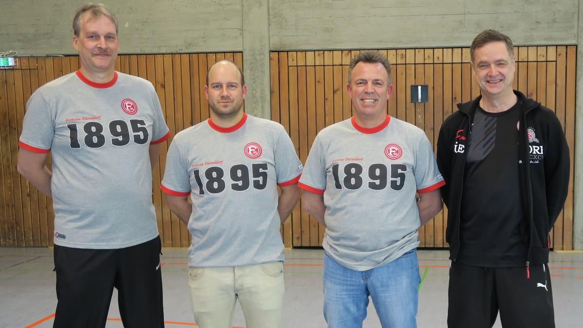 """Coach Detlef Randzio, Co-Trainer Benjamin Tenscher, Torwarttrainer Joakim """"Joki"""" Halbach Und Klaus Allnoch (Stellvertretender Handballabteilungsleiter Fortuna Düsseldorf) (Foto: Fortuna Düsseldorf Handball)"""