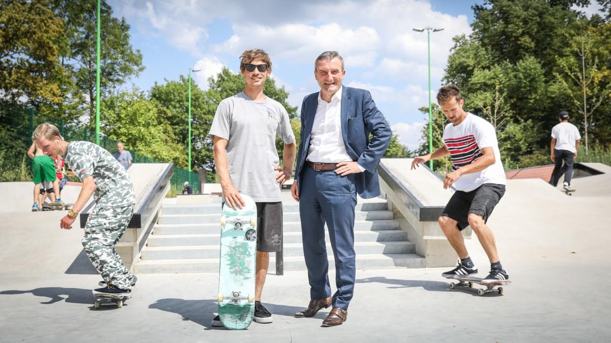 Oberbürgermeister Thomas Geisel Besucht Trainingscamp Zur Deutschen Skateboard-Meisterschaft