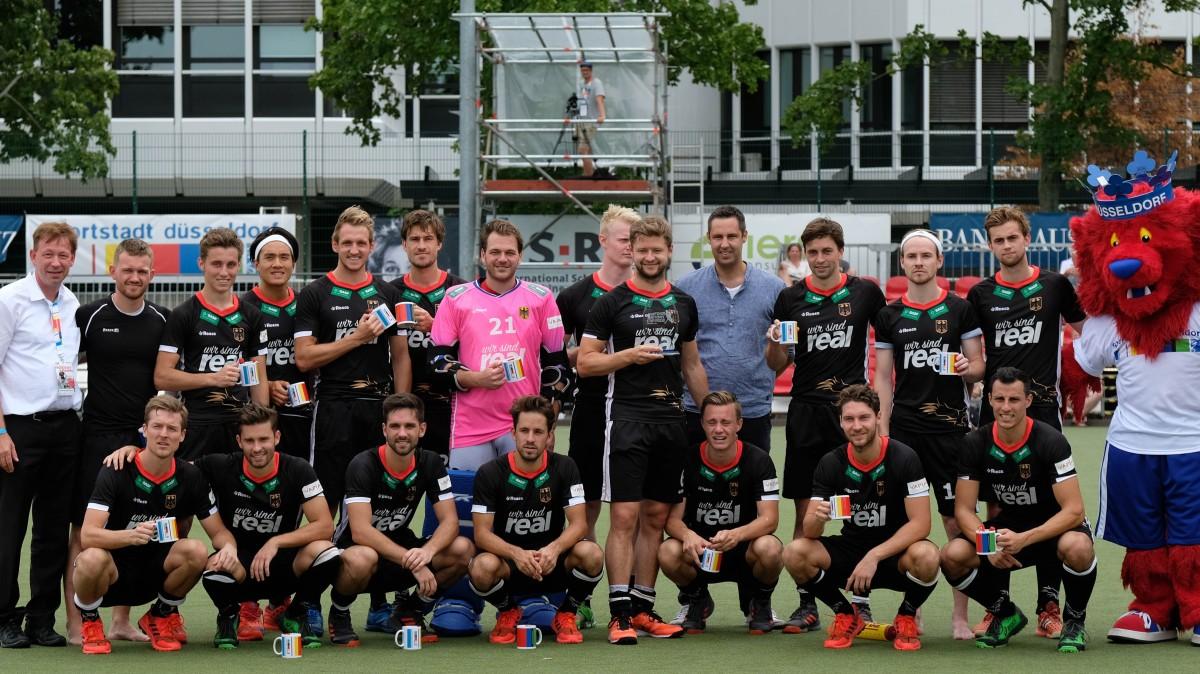 Turniersieger Deutschland Nach Der Siegerehrung (Foto: Bernd Schaller)