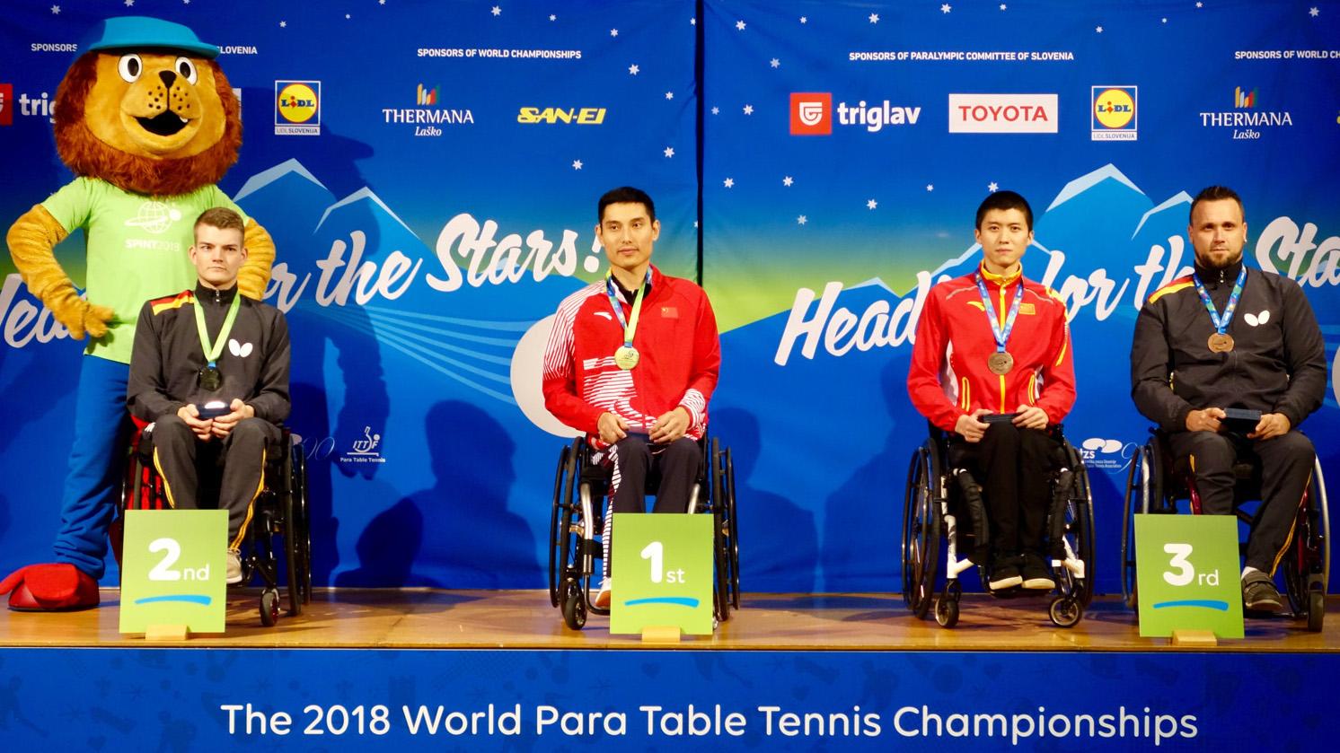 Siegerehrung WK 3 V.l.n.r.: Thomas Schmidberger, Feng Panfeng, Xiang Zhai, Thomas Brüchle (Foto: Hannes Doesseler)