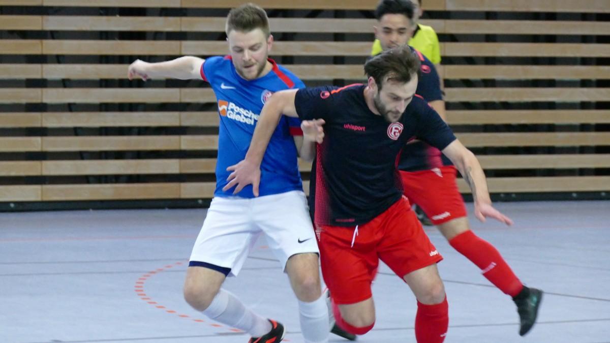 V.l.: Dennis Arndt (WSV Futsal) Risto Malic (F95 Futsal) (Foto: Rot-Blau.com)