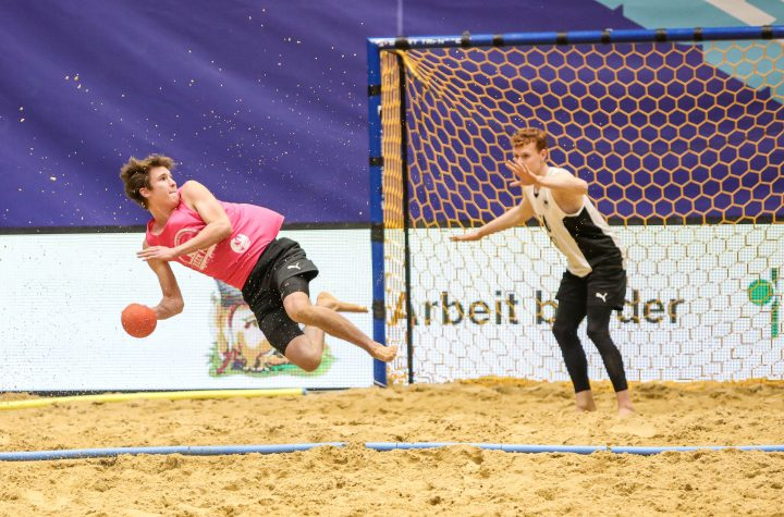 Sarah Imler 18, German Beach Trophy, Beachhandball am 16.01.2020 in Duesseldorf.  Die Nationalmannschaften werden für die German Beach Trophy jeweils in zwei Teams aufgeteilt, das Team Nord und das Team Sued. Diese spielen jeweils Hin und Rueckspiel gegeneinander und punkten dabei für die mannschaftsuebergreifende Nord Sued Wertung