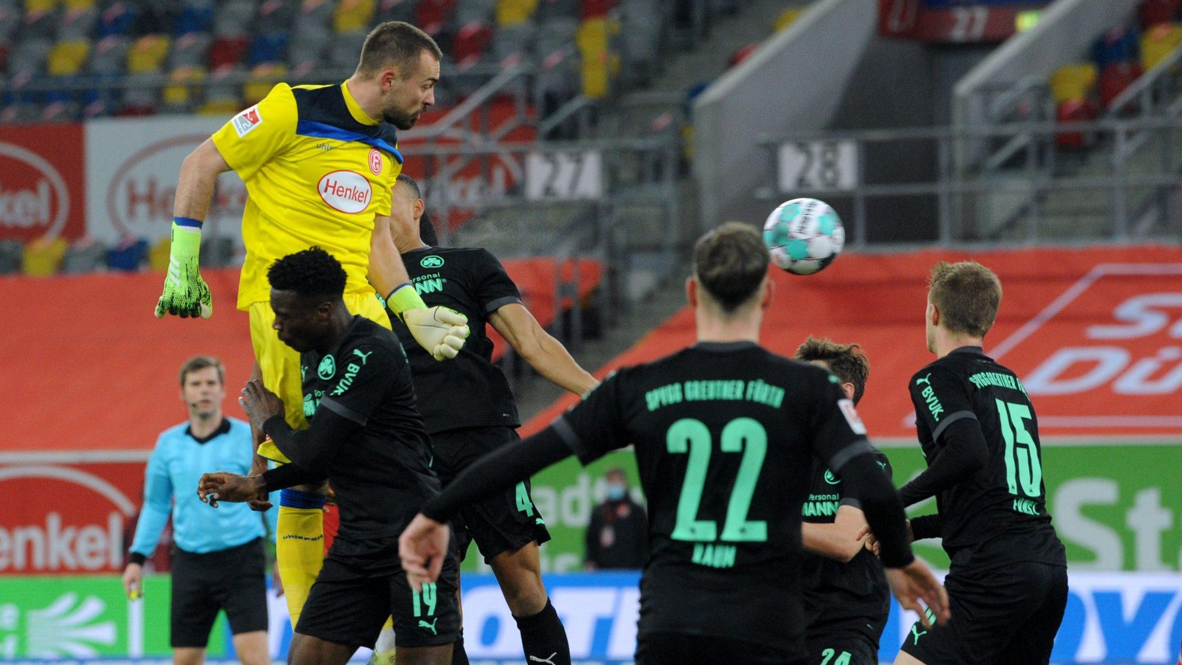 Tor-Spektakel gegen Fürth endet 3:3