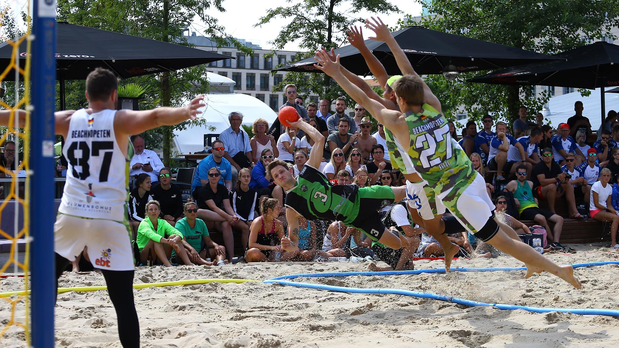 Deutschlands Beachhandball Nationalmannschaften kommen in die Mitsubishi Electric HALLE