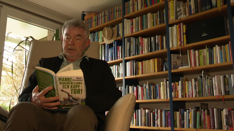 Ein Buch, typisch Manni Breuckmann