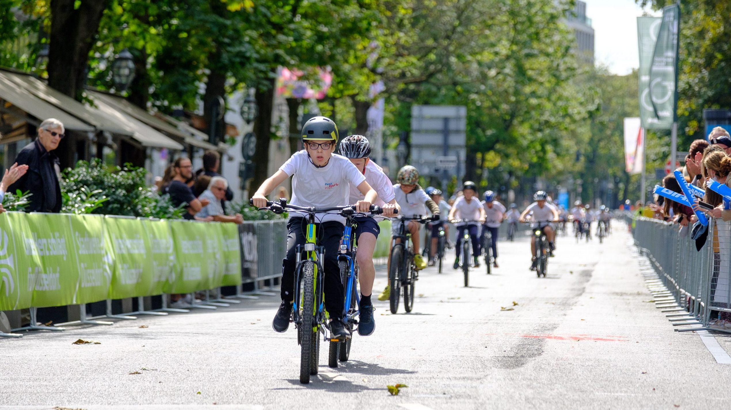 Kinderradrennen auf der Kö